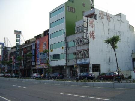 {租}莒光路基督教醫院正對面.2樓辦公大樓
