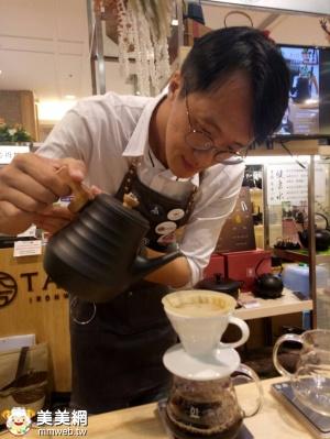 頂級咖啡師Josh Tien